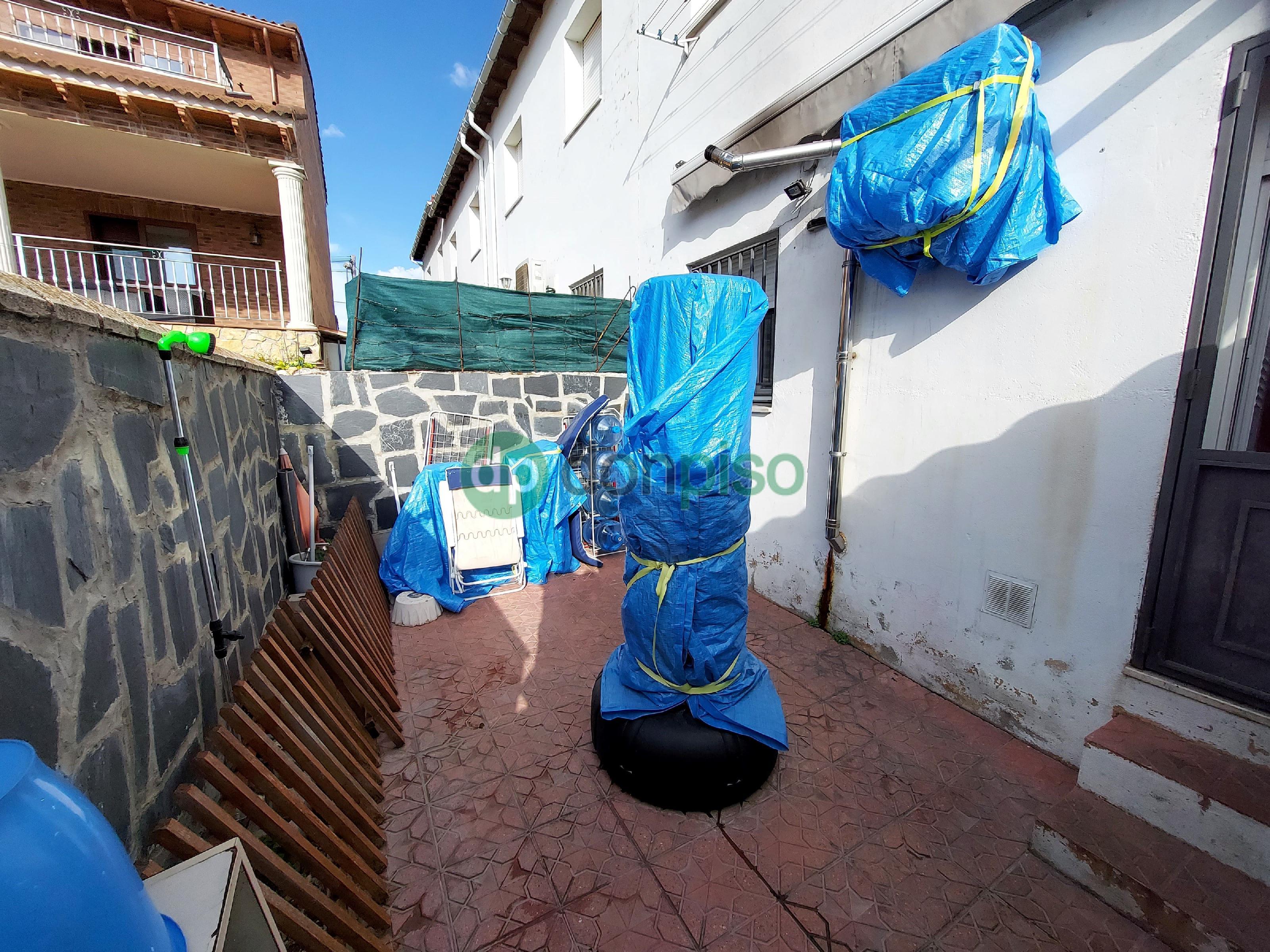 Imagen 2 Casa Adosada en venta en Horche / Cerca de Plaza de Toros