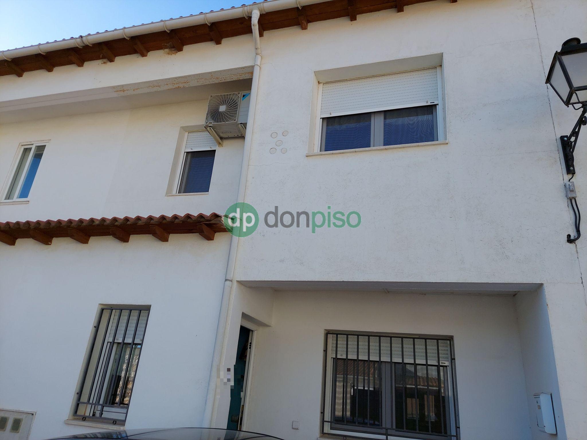 Imagen 1 Casa Adosada en venta en Horche / Cerca de Plaza de Toros