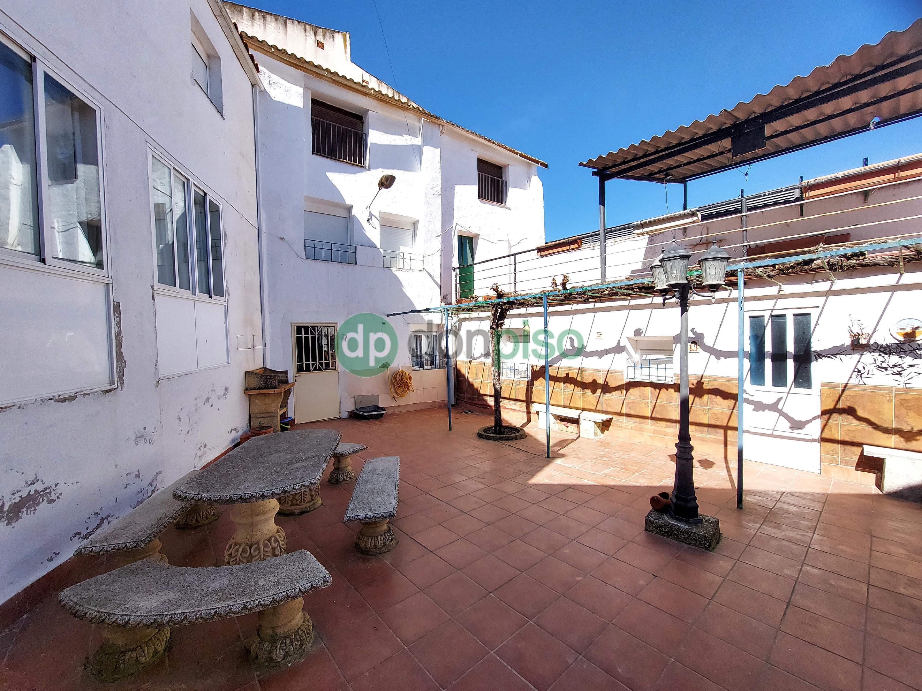 Imagen 1 Casa en venta en Mondéjar / Junto Plaza Mayor