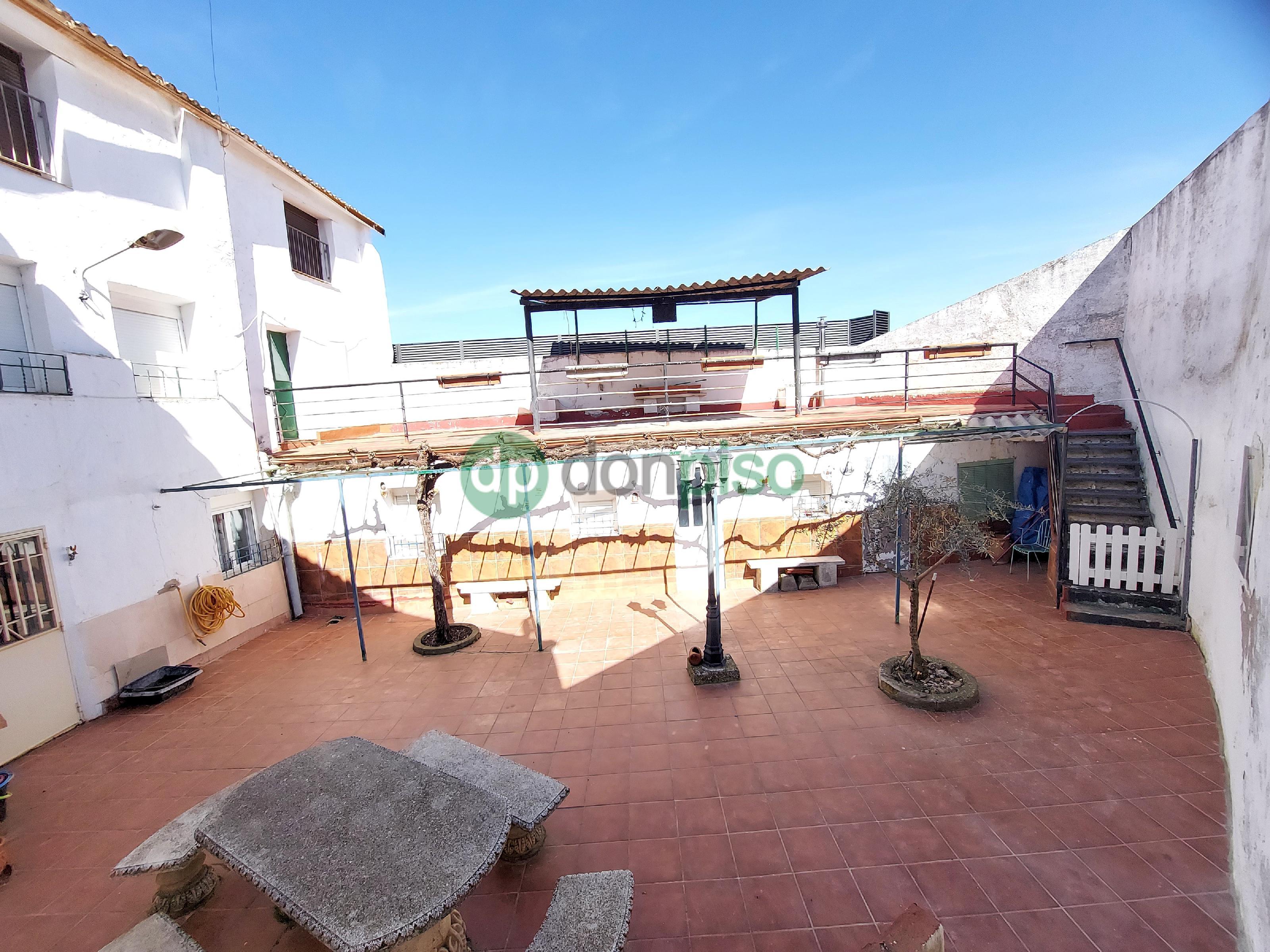 Imagen 2 Casa en venta en Mondéjar / Junto Plaza Mayor