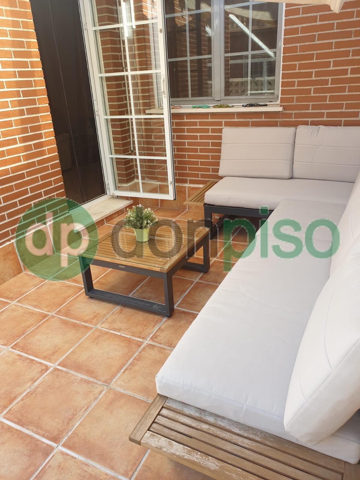 Imagen 4 Casa Adosada en alquiler en Azuqueca De Henares / Zona Plaza 3 de Abril