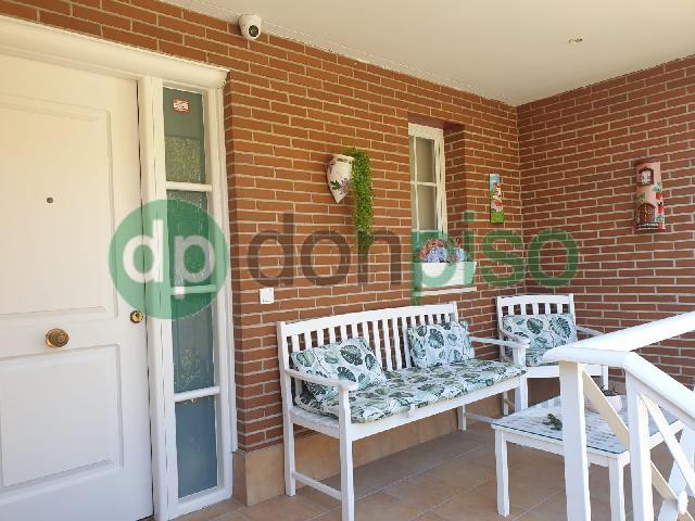 Imagen 1 Inmueble 248932 - Casa Adosada en alquiler en Azuqueca De Henares / Zona Plaza 3 de Abril