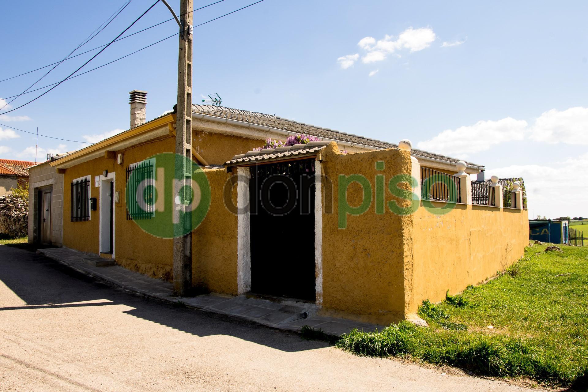Imagen 1 Casa en venta en Gajanejos / Pueblo de Gajanejos