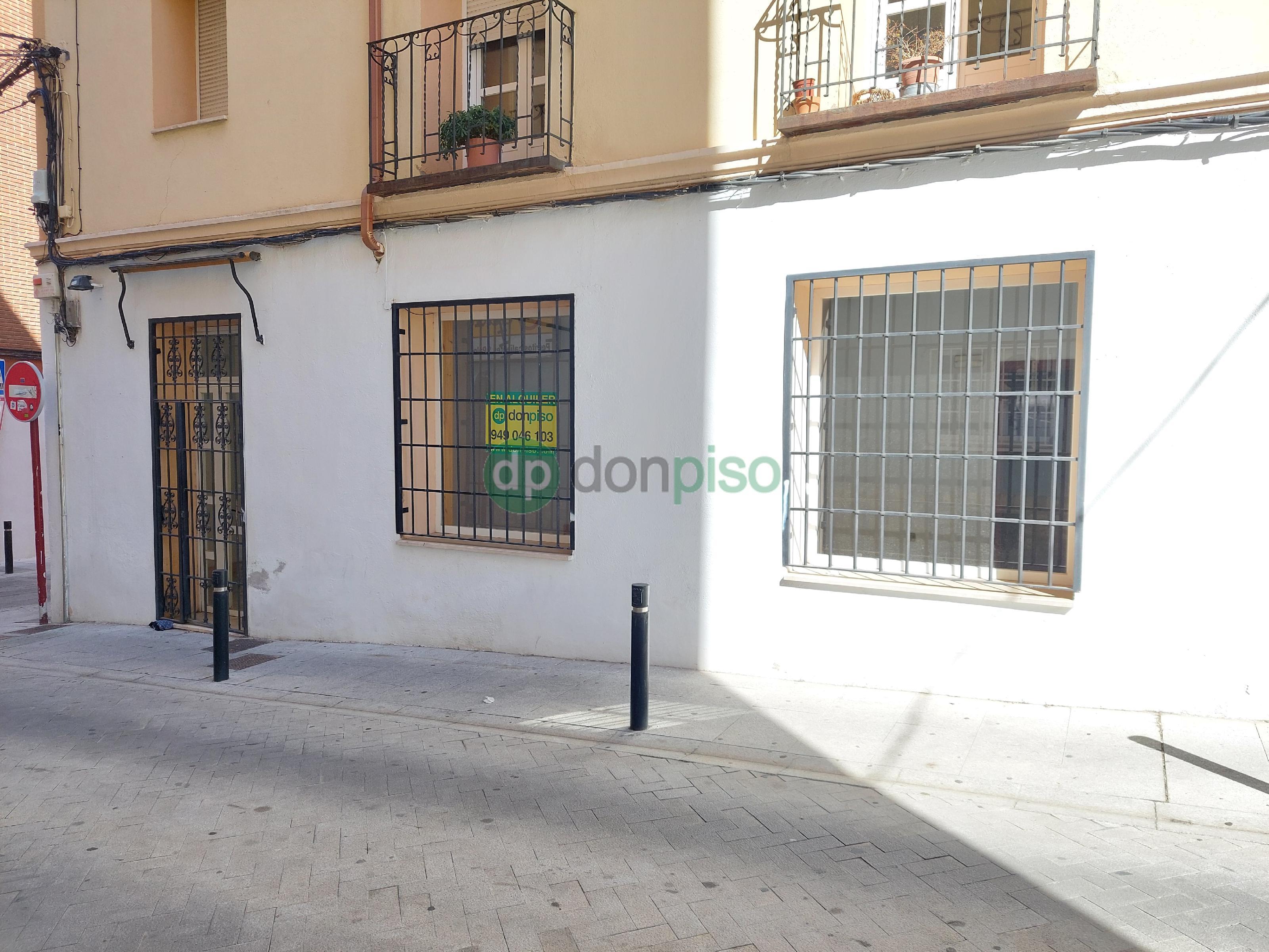 Imagen 1 Local Comercial en alquiler en Guadalajara / Cerca Clínica Sanz Vázquez