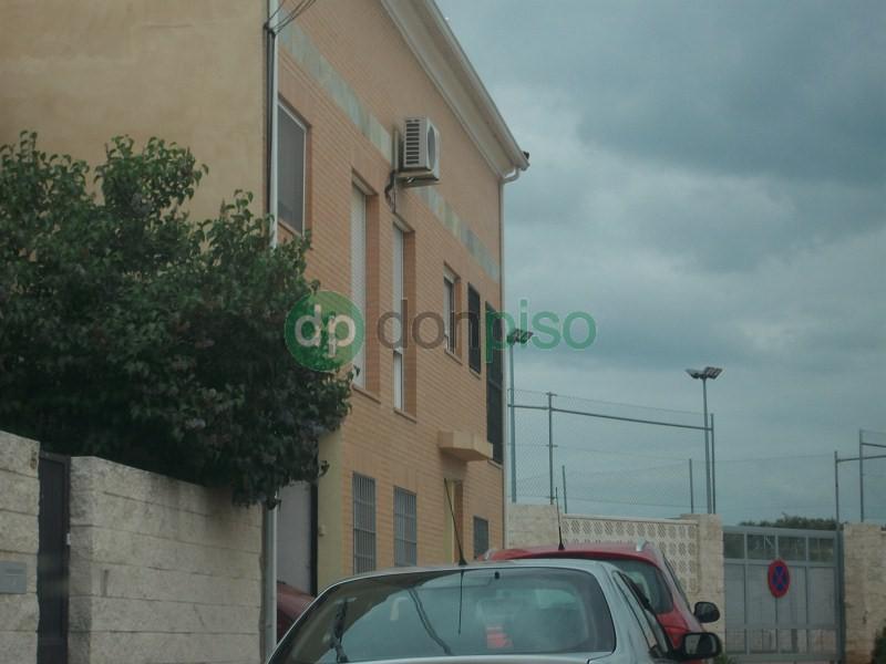 Imagen 1 Dúplex en venta en Villanueva De La Torre / Casco antiguo Villanueva
