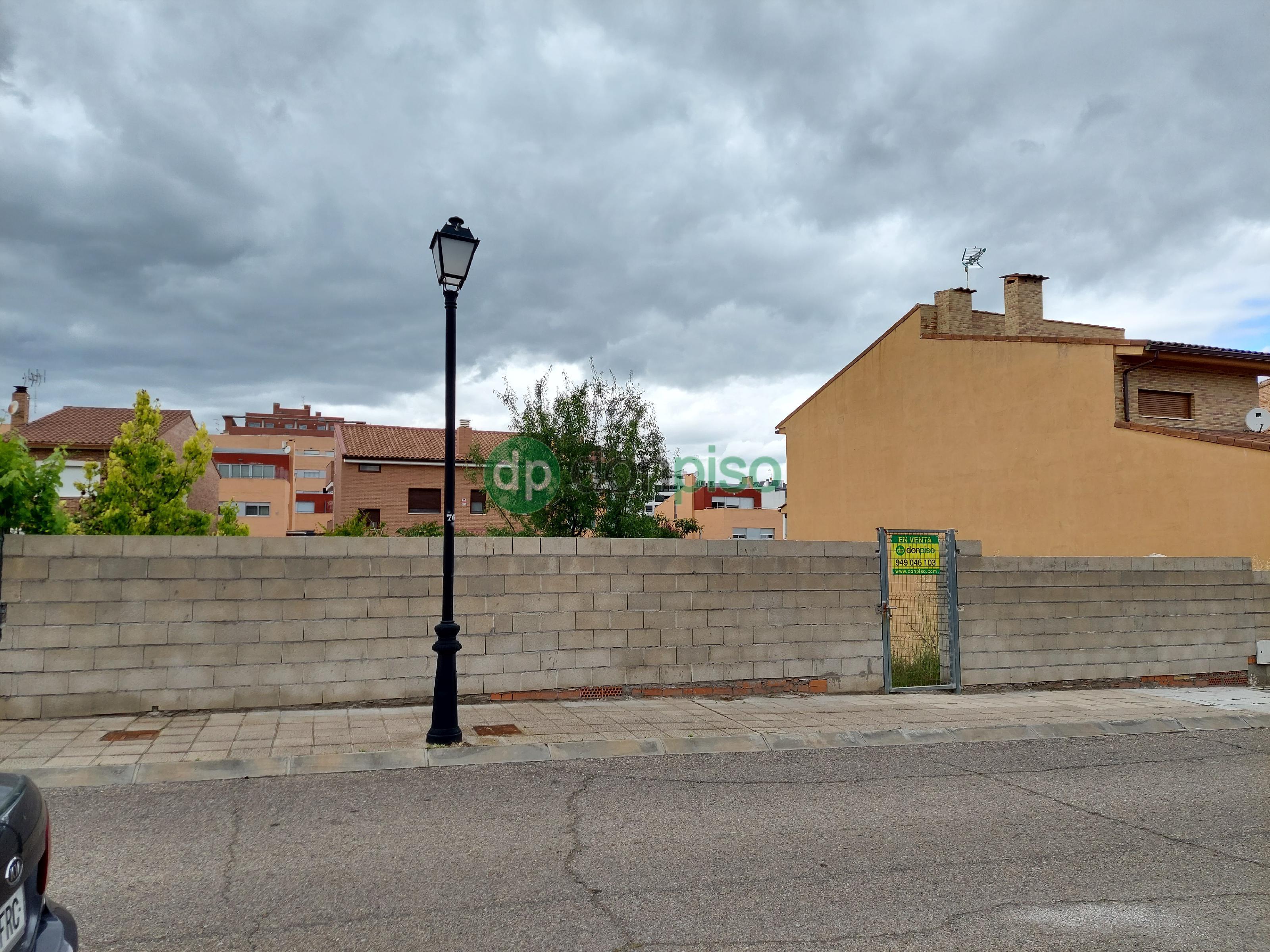 Imagen 1 Solar Urbano en venta en Guadalajara / Cerca Rotonda de las Provincias
