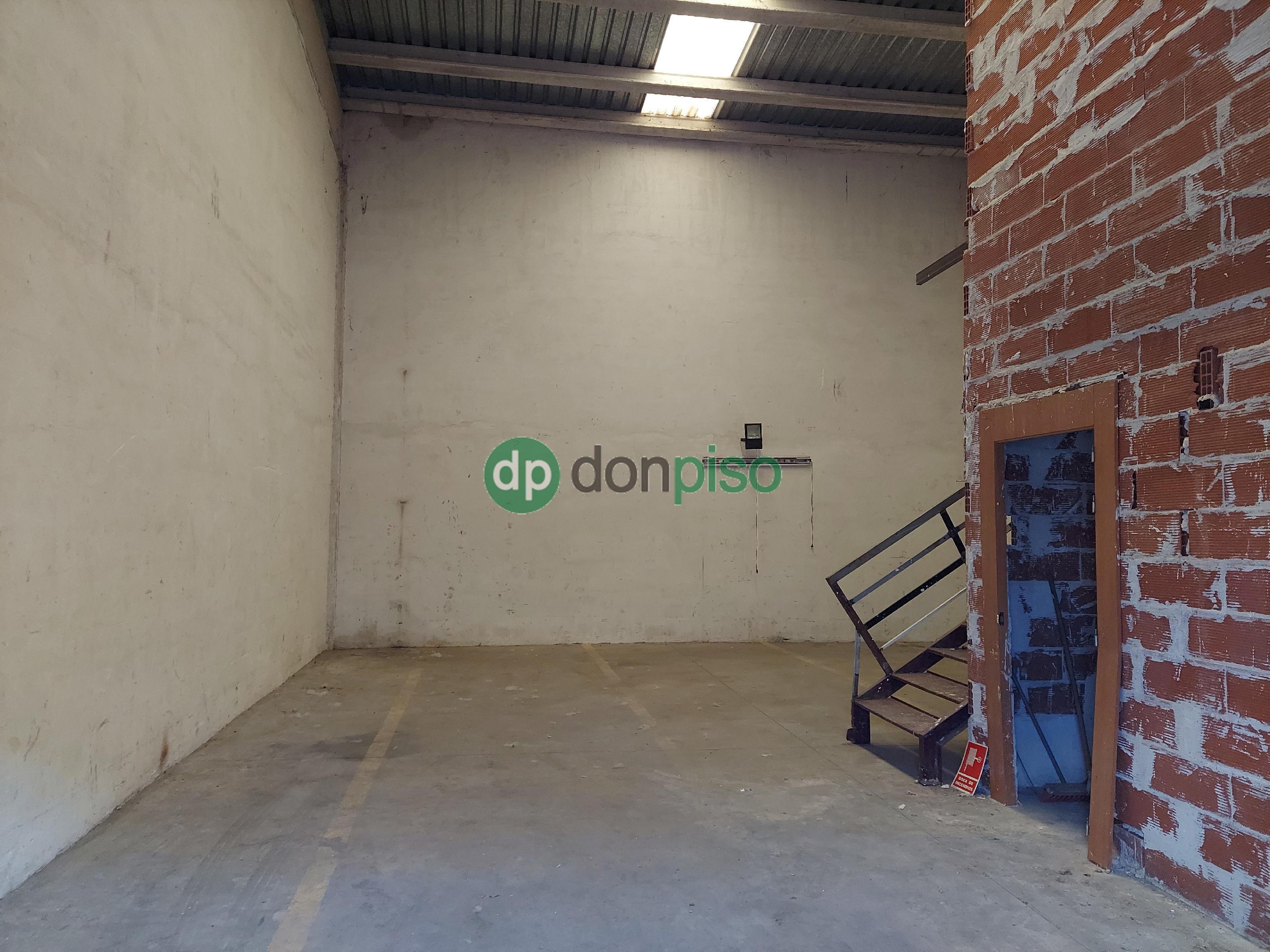 Imagen 2 Local Industrial en venta en Cabanillas Del Campo / Principio polígono Dagu