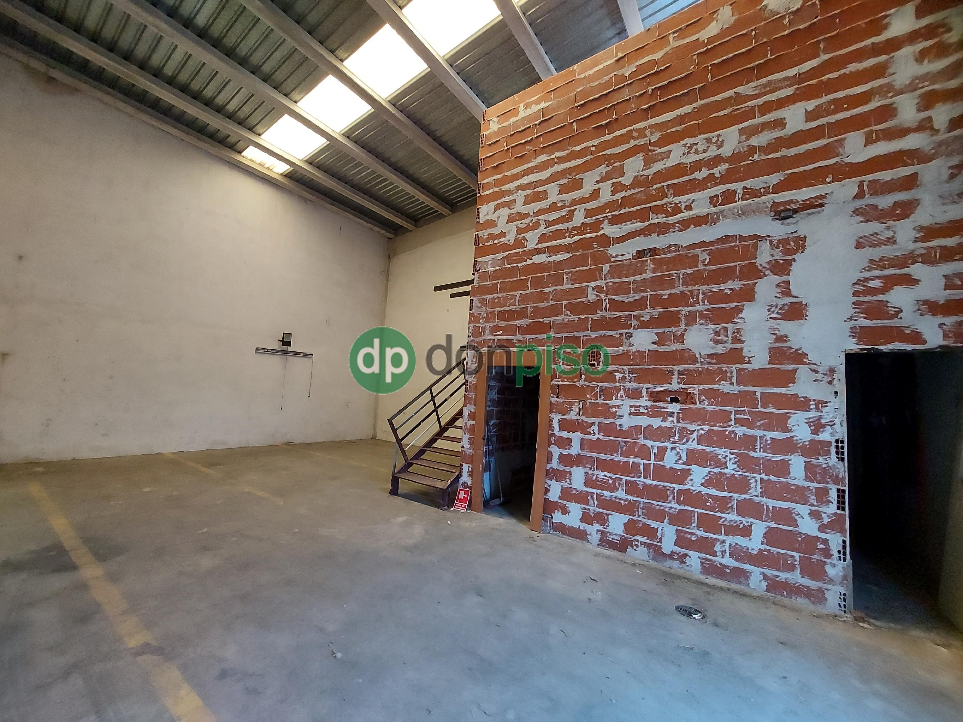 Imagen 3 Local Industrial en venta en Cabanillas Del Campo / Principio polígono Dagu