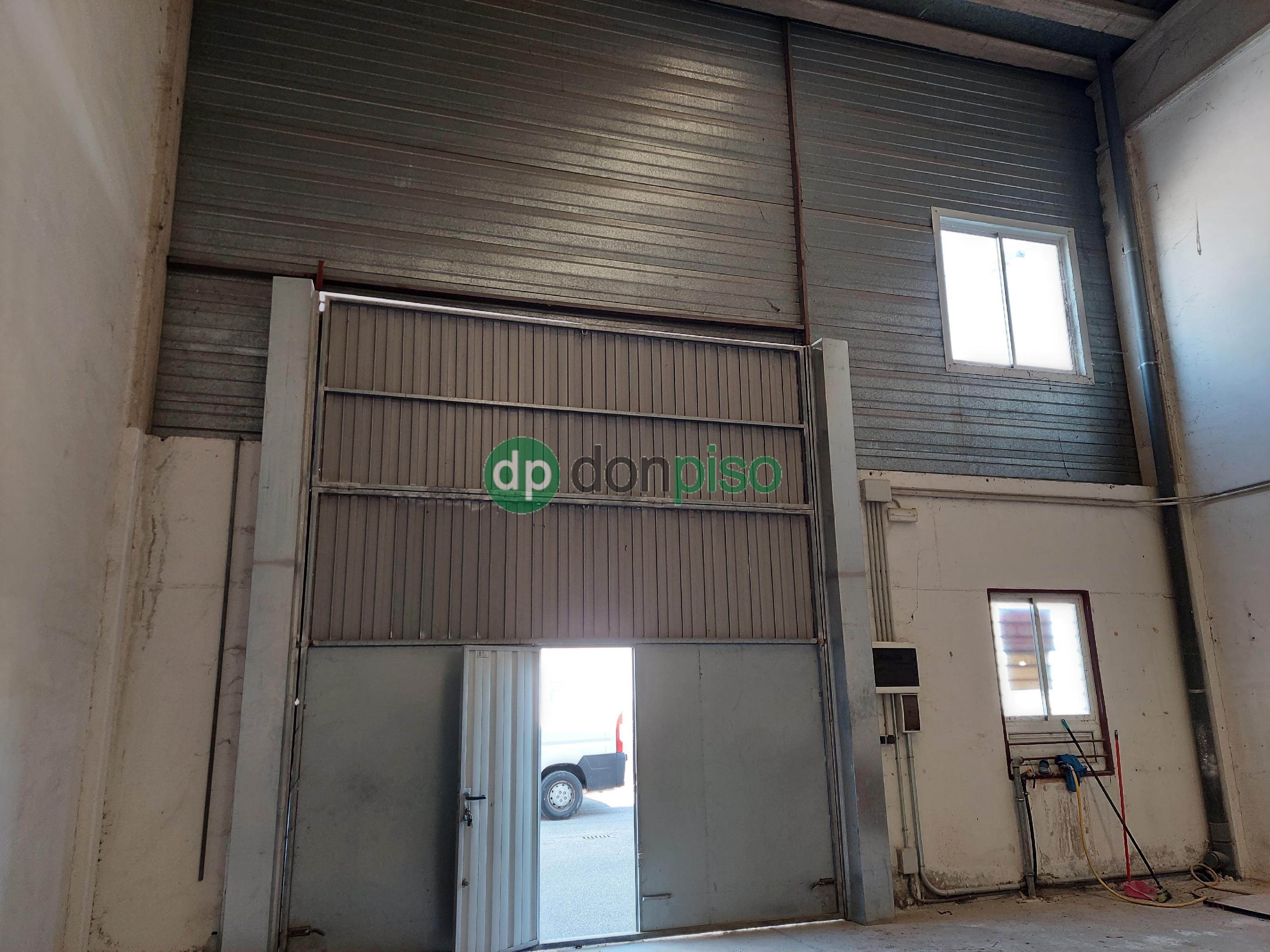Imagen 4 Local Industrial en venta en Cabanillas Del Campo / Principio polígono Dagu