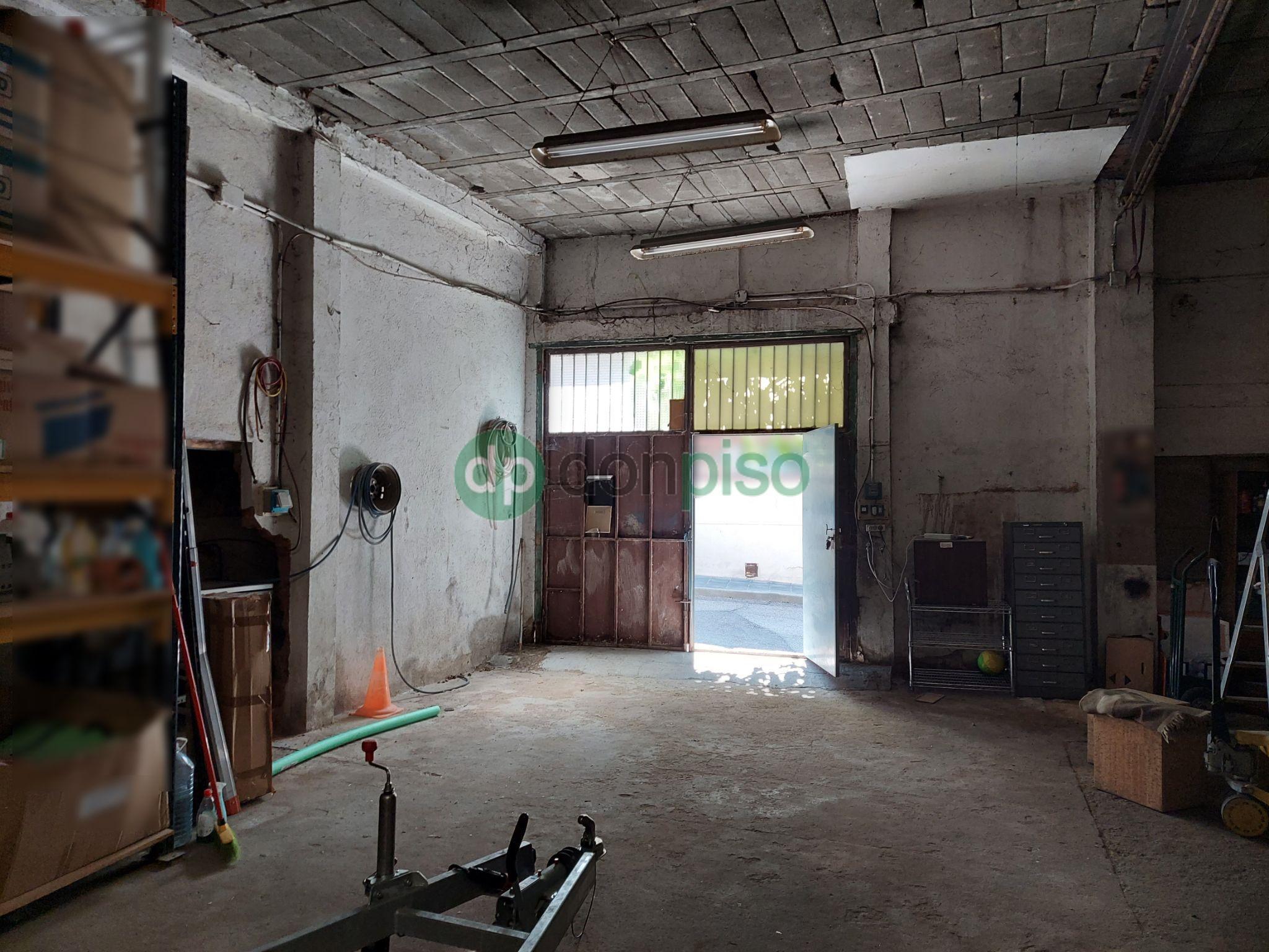 Imagen 2 Local Industrial en venta en Guadalajara / Centro del pueblo