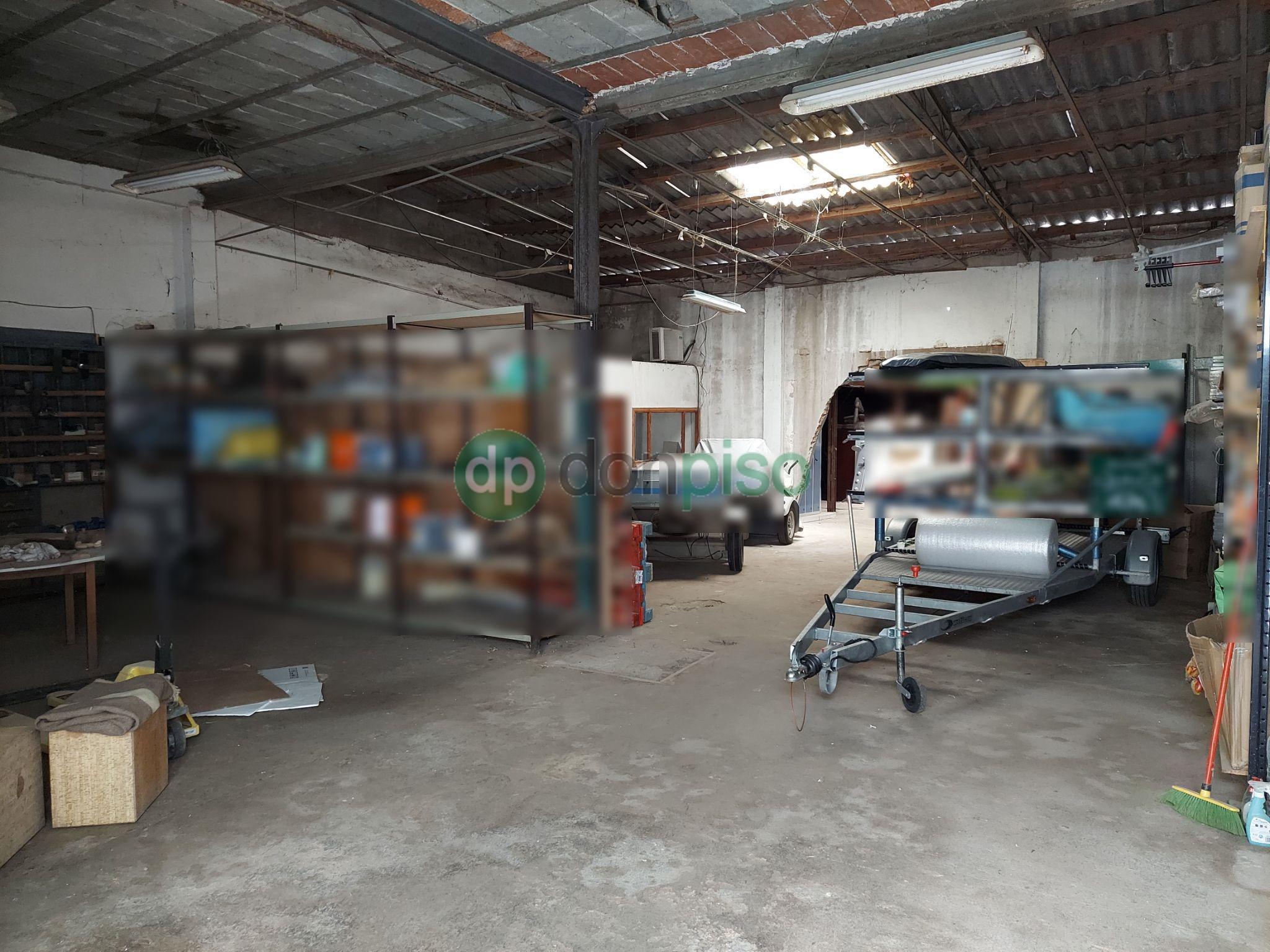Imagen 3 Local Industrial en venta en Guadalajara / Centro del pueblo