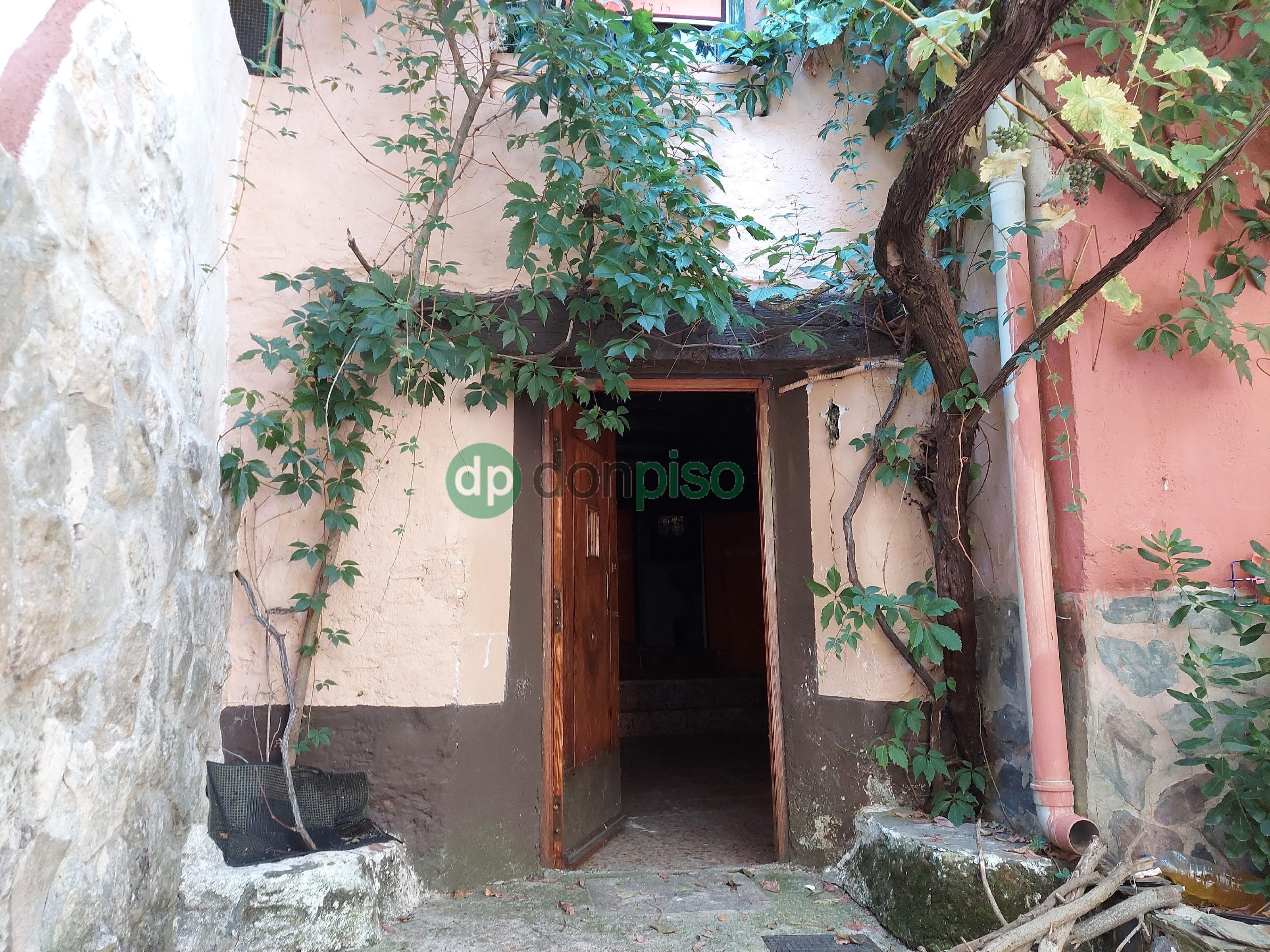 Imagen 2 Casa en venta en Valdesotos / Casco urbano del pueblo