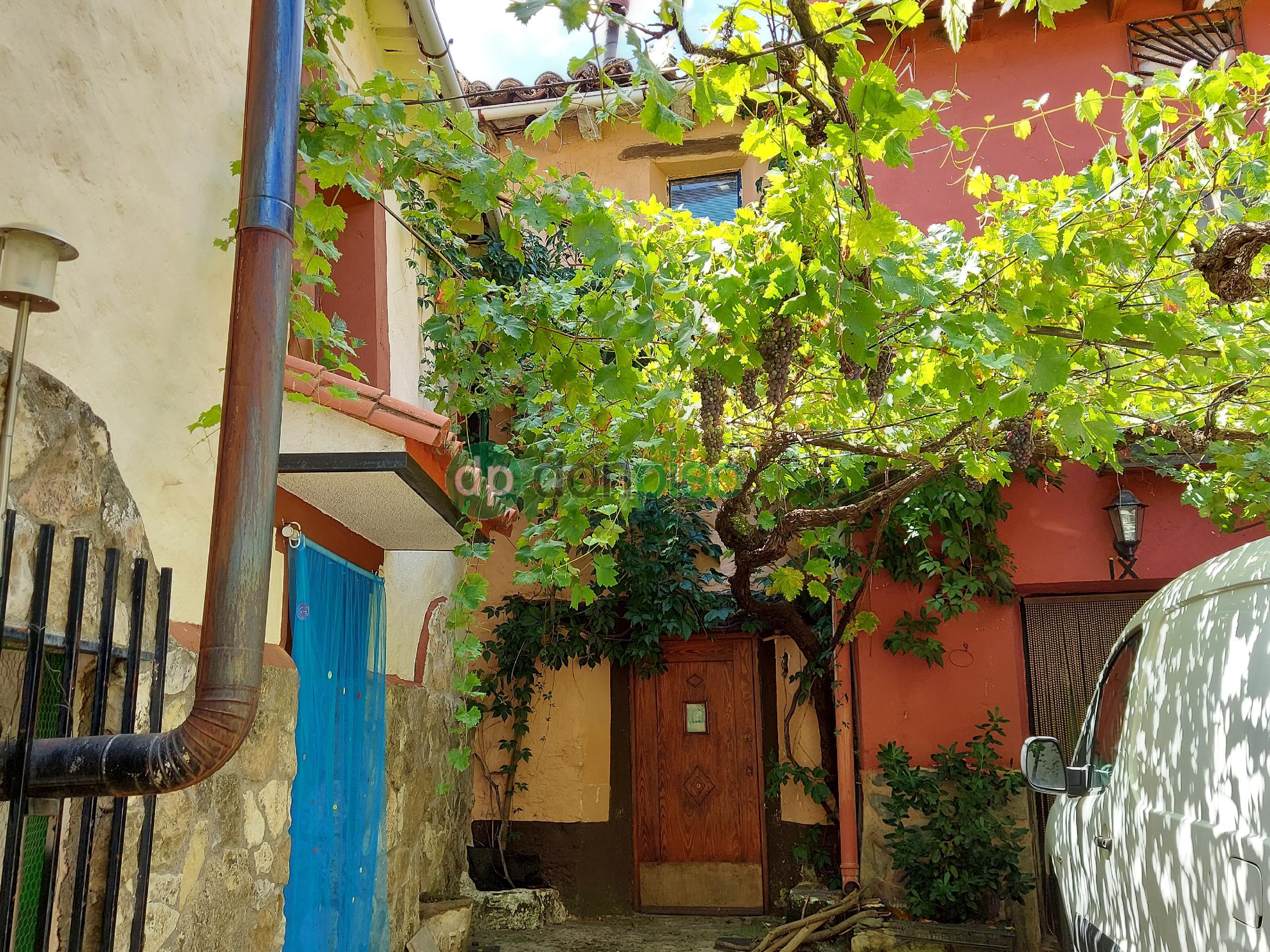 Imagen 1 Casa en venta en Valdesotos / Casco urbano del pueblo