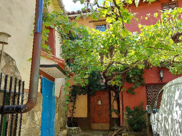 Imagen 1 Inmueble 253233 - Casa en venta en Valdesotos / Casco urbano del pueblo