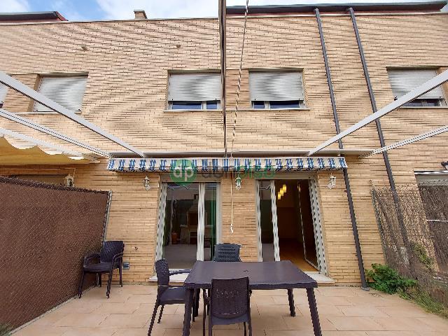Imagen 1 Inmueble 253391 - Casa Adosada en venta en Marchamalo / Zona nueva Oeste