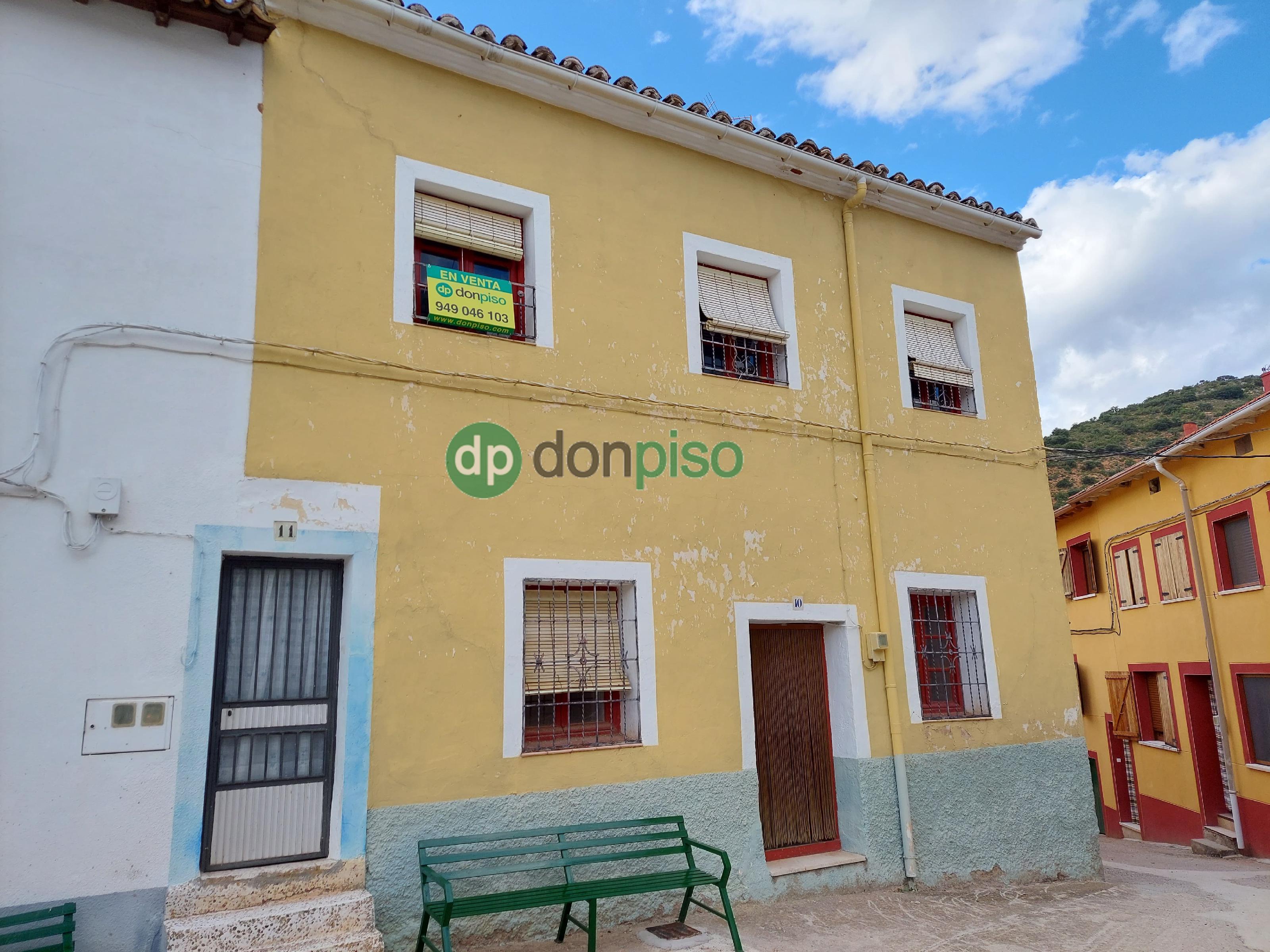 Imagen 1 Casa en venta en Brihuega / Plaza de la Calzada
