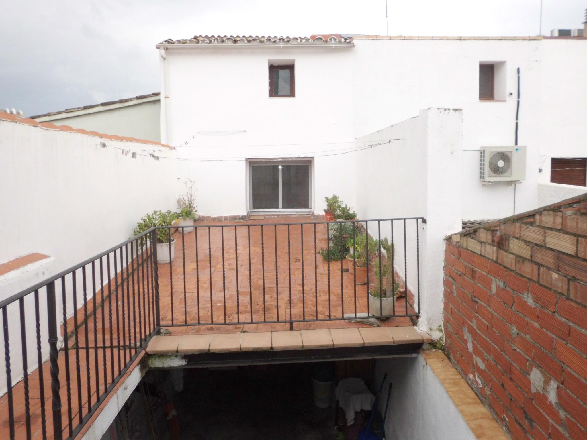 216686 - Junto Ayuntamiento