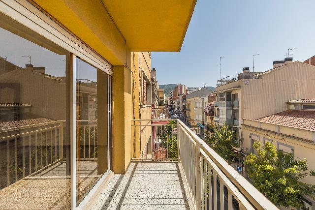 Imagen 1 Inmueble 228215 - Piso en venta en Olesa De Montserrat / Centre - Pl. Catalunya