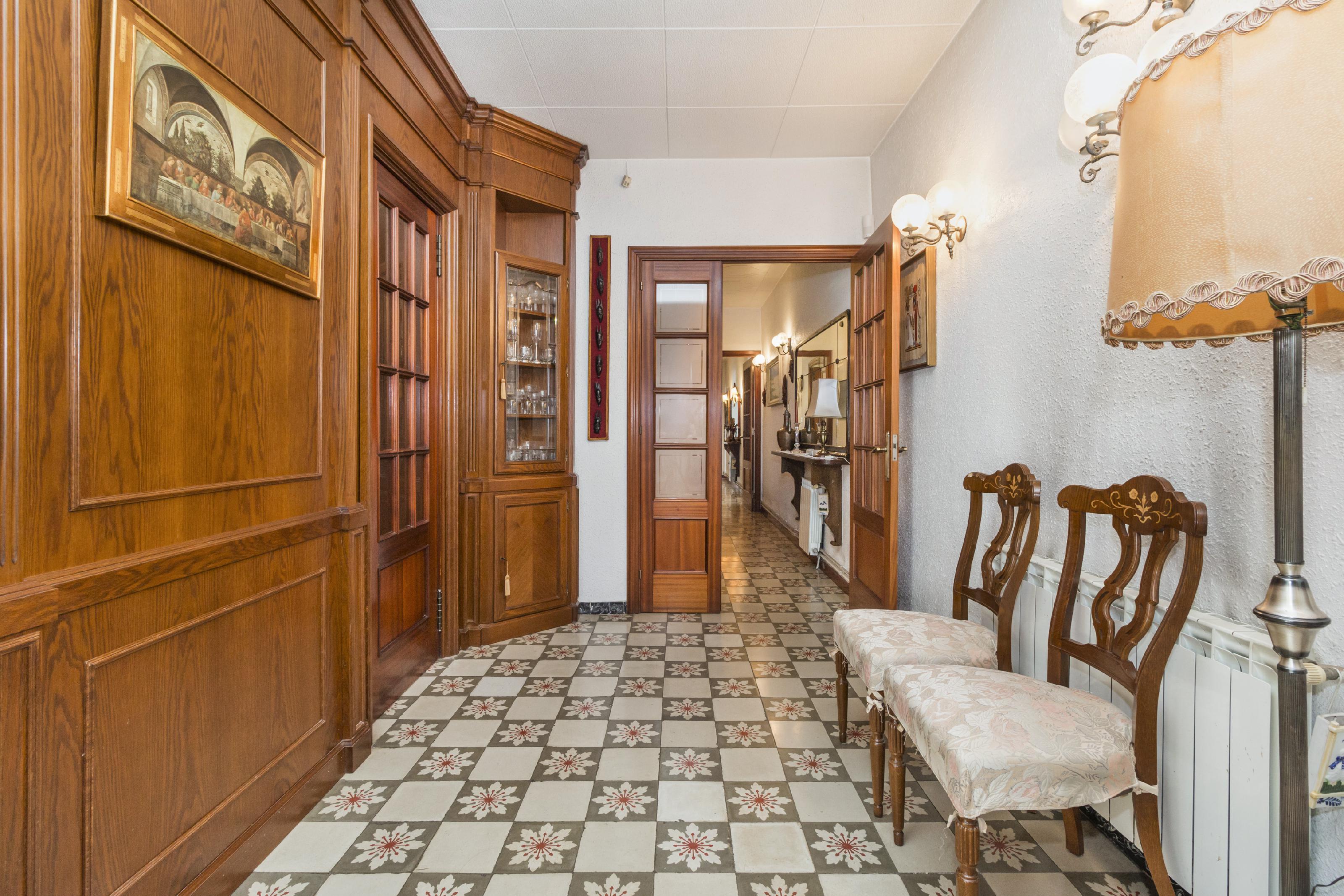 Imagen 3 Casa en venta en Olesa De Montserrat / Plaça Catalunya