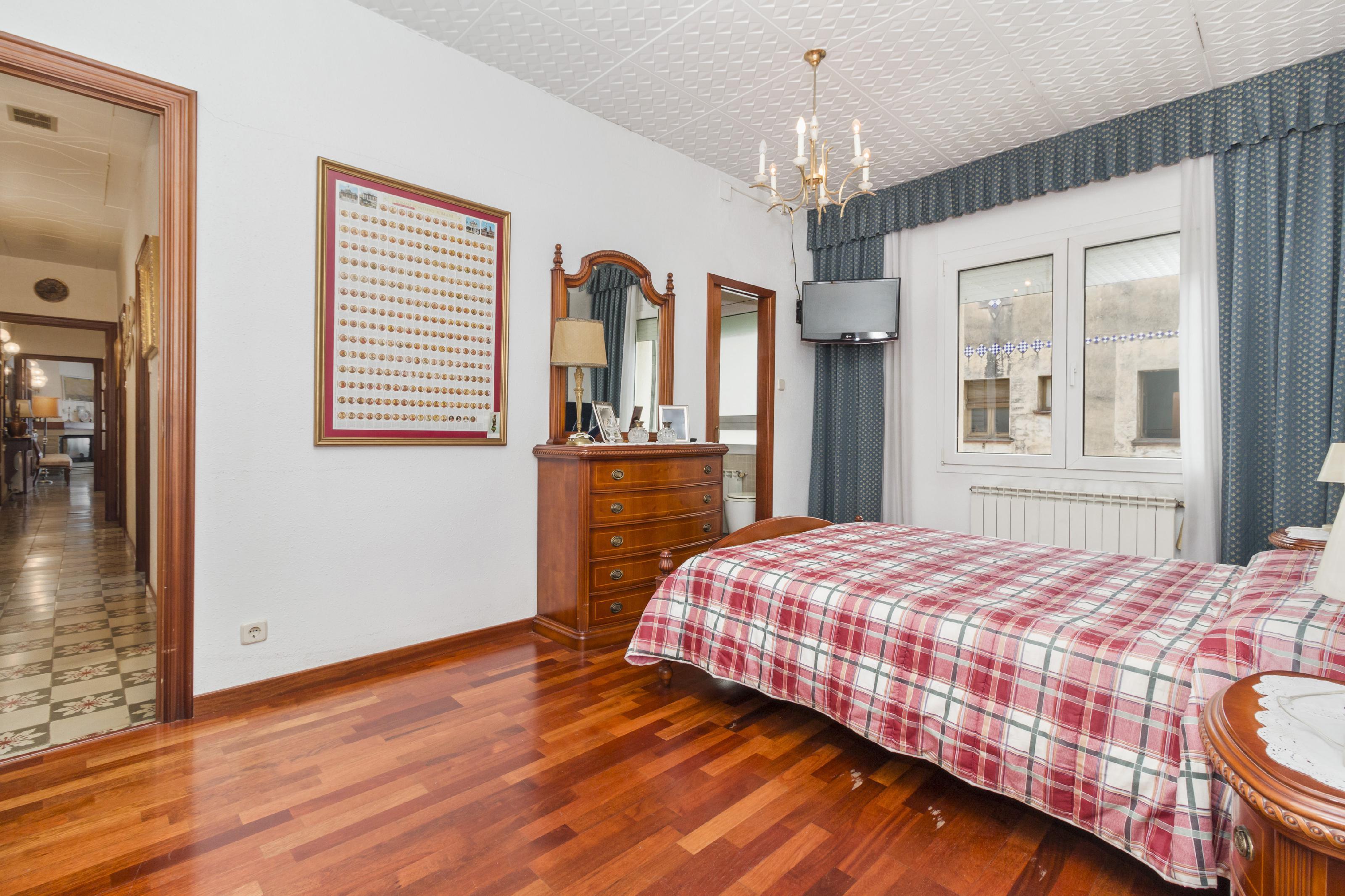 Imagen 2 Casa en venta en Olesa De Montserrat / Plaça Catalunya