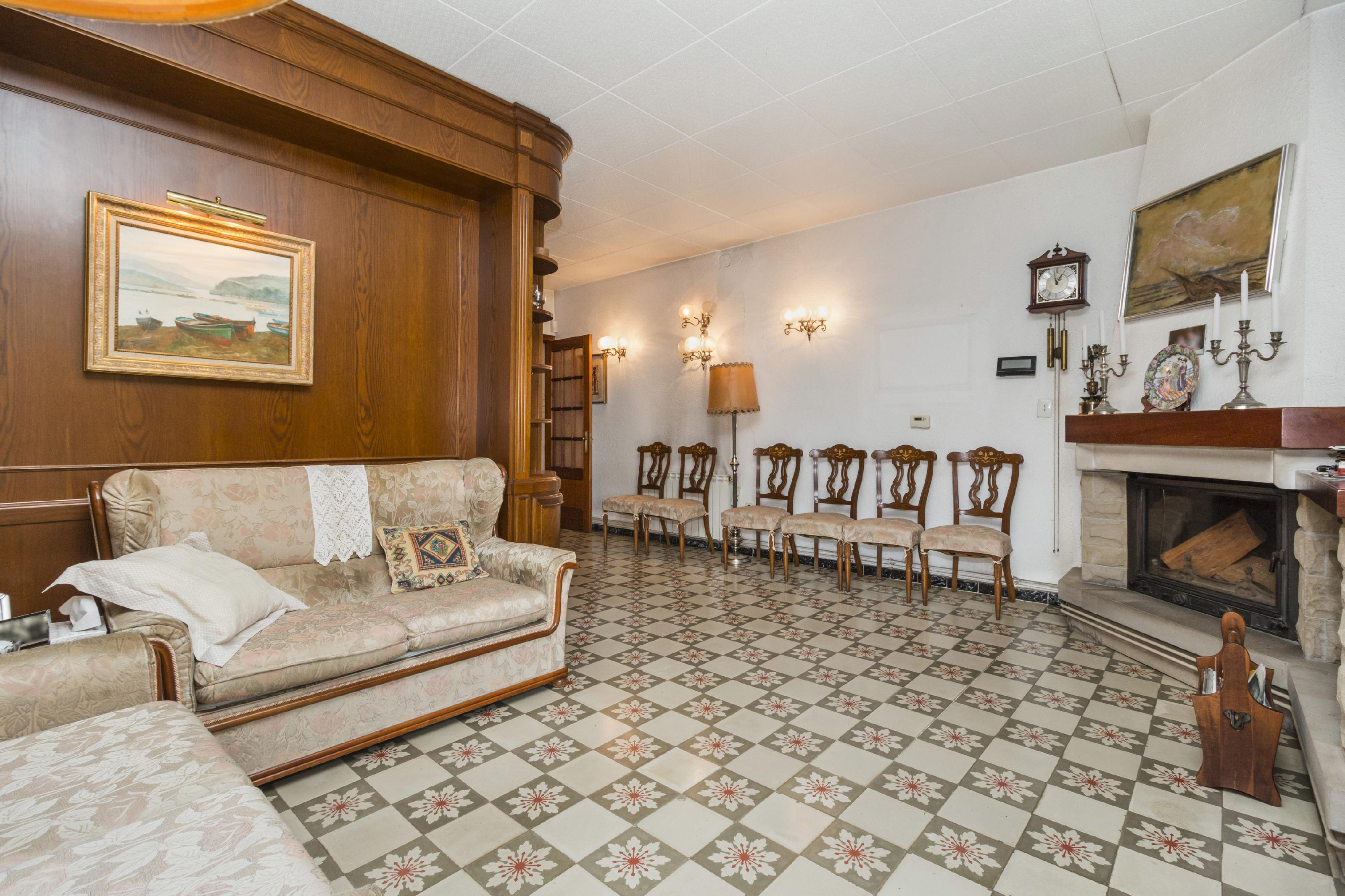 Imagen 4 Casa en venta en Olesa De Montserrat / Plaça Catalunya