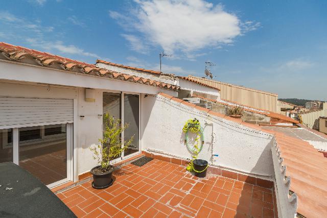 Imagen 1 Inmueble 238763 - Dúplex en venta en Olesa De Montserrat / Junto campo de fútbol.