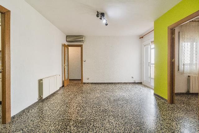 Imagen 1 Inmueble 240657 - Piso en venta en Olesa De Montserrat / Cerca del colegio Povill