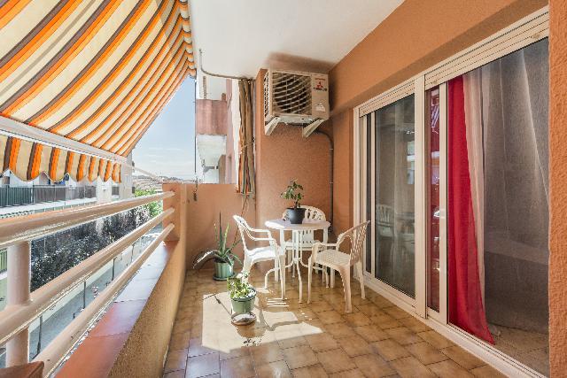 Imagen 1 Inmueble 241403 - Piso en venta en Olesa De Montserrat / Junto Mercadona