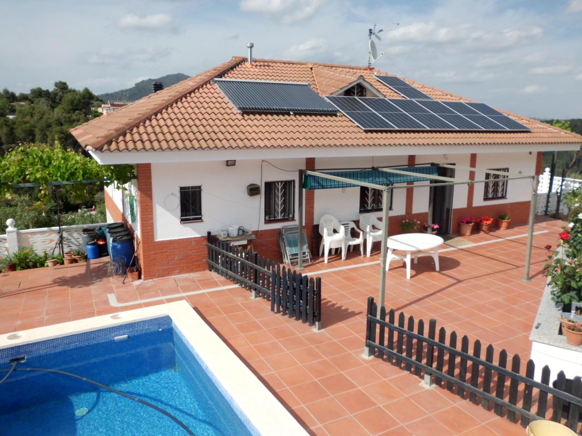Imagen 2 Casa en venta en Olesa De Montserrat / Les Ribes Blaves