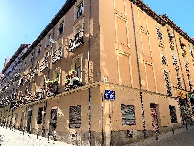 Imagen 1 Inmueble 225345 - Piso en venta en Madrid / Pegado a Calle San Bernardo