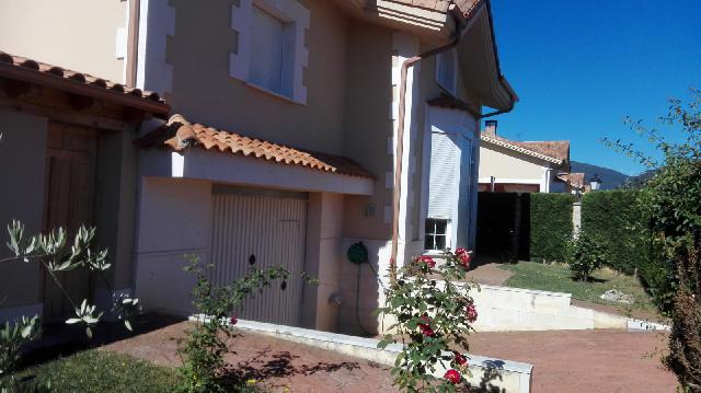 Imagen 1 Inmueble 218334 - Casa en venta en Villarcayo De Merindad De Castilla La Vieja / Villarcayo, En la recta de ...