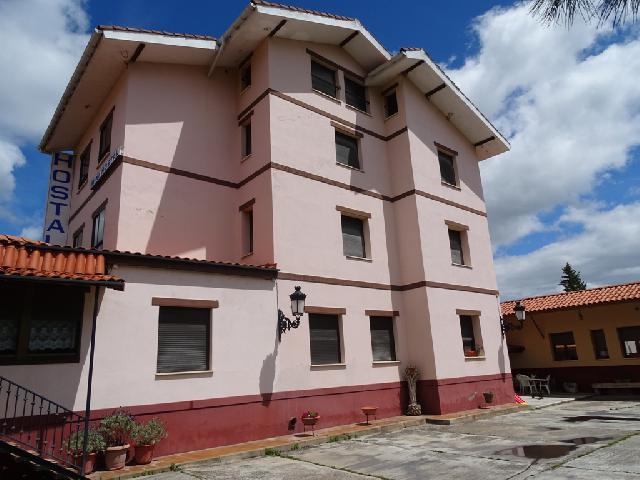 Imagen 1 Inmueble 239028 - Casa en venta en Villarcayo De Merindad De Castilla La Vieja / Villarcayo, próximo al cent...