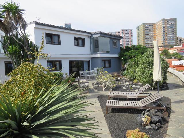 Imagen 1 Inmueble 215184 - Casa en venta en Palmas De Gran Canaria (Las) / Chalet en La Cornisa