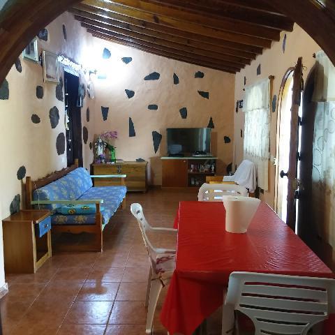 Imagen 1 Inmueble 226274 - Casa en venta en San Bartolomé De Tirajana / En la subida a Taidía