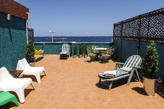 Imagen 1 Inmueble 241684 - Casa Adosada en venta en Agüimes / Playa de Arinaga Zona del Zoco