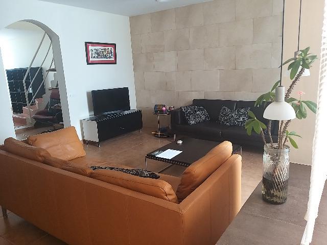 Imagen 1 Inmueble 249854 - Casa en venta en Santa Lucía De Tirajana / Urb. Majadaciega