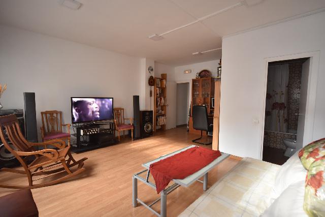 Imagen 1 Inmueble 221631 - Piso en venta en Barcelona / Entre Av. Roma y  Comte d´Urgell, la Nova Esquerra