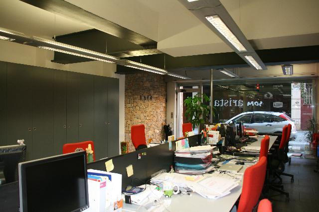 Imagen 1 Inmueble 209273 - Local Comercial en venta en Barcelona / Junto Plaza Molina