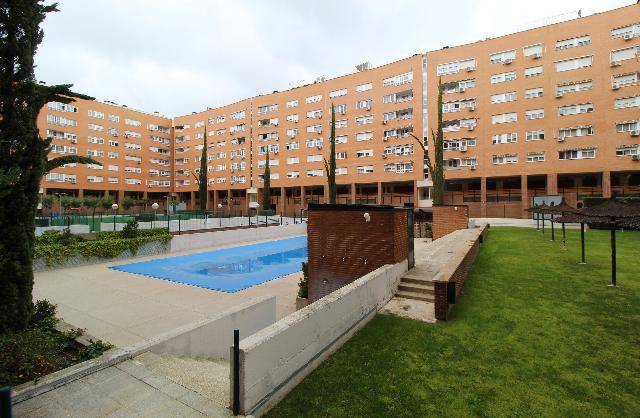 Imagen 1 Inmueble 248007 - Piso en venta en Alcorcón / Zona de Los Castillos, frente colegio Clara Campoamor.