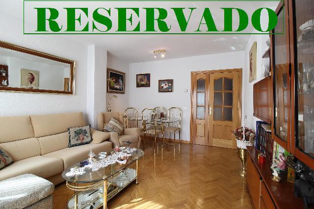 Imagen 1 Inmueble 251820 - Piso en venta en Madrid / Junto a estación puente de Alcocer
