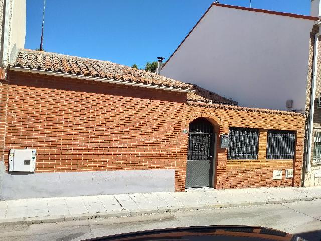 Imagen 1 Inmueble 252043 - Solar Urbano en venta en Pinto / Ubicado cerca del parque de Nicolás Fuster, en Pinto.
