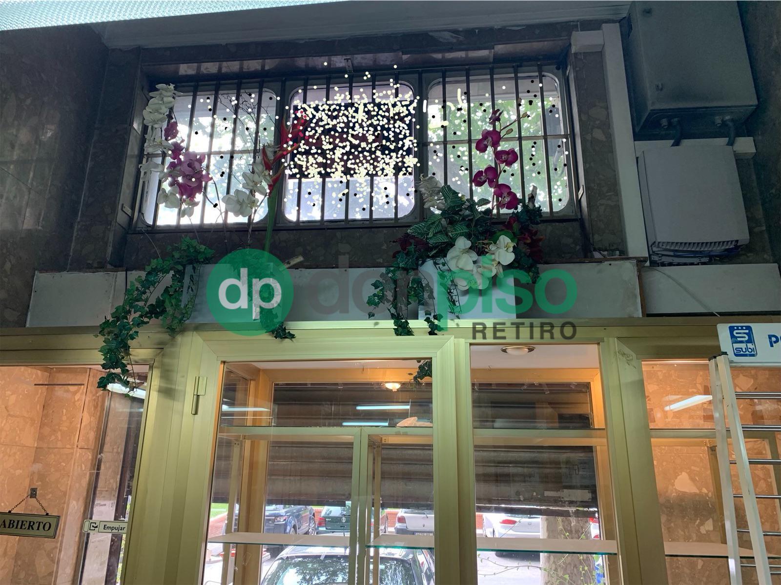 Imagen 1 Local Comercial en alquiler en Madrid / Frente al Parque de el Retiro - Niño Jesus.