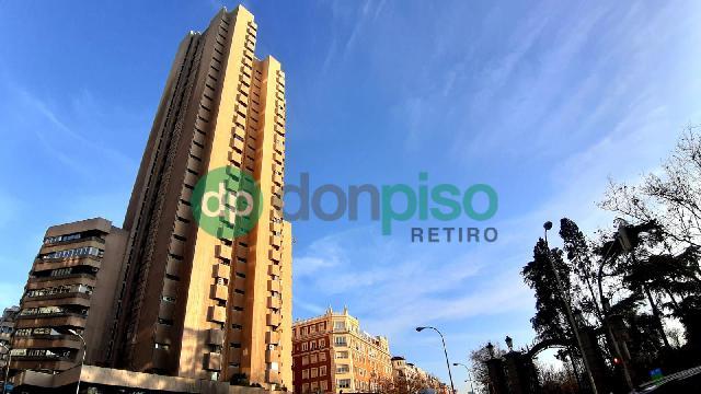 Imagen 1 Inmueble 245549 - Parking Coche en venta en Madrid / Frente al Parque del Retiro