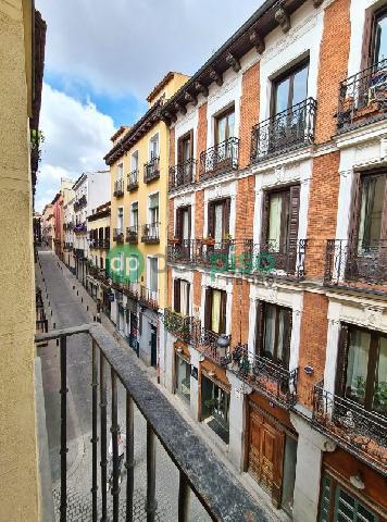 Imagen 1 Inmueble 248528 - Piso en venta en Madrid / En el Barrio de las Letras