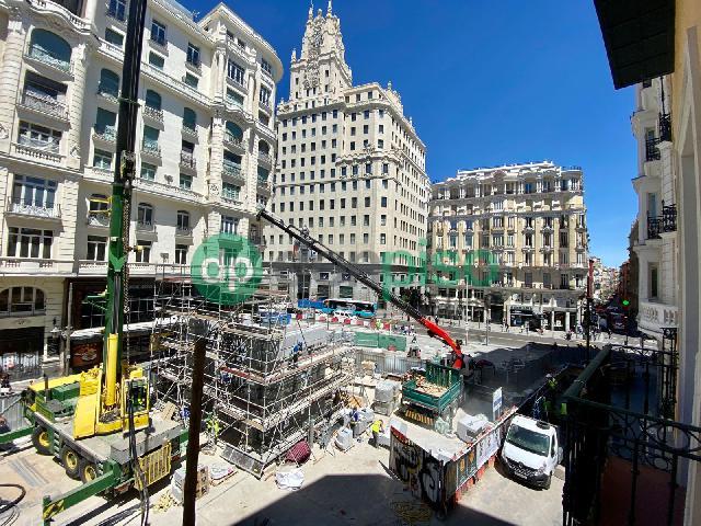 Imagen 1 Inmueble 249339 - Piso en venta en Madrid / Al lado de la Gran Via