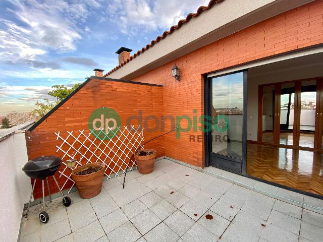 Imagen 1 Inmueble 254258 - Ático en alquiler en Madrid / En pleno Boulevard de Ibiza