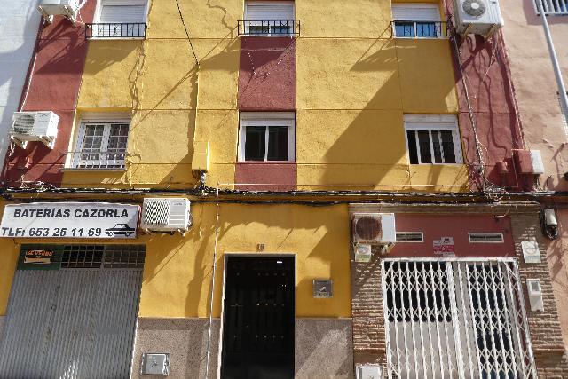 Imagen 1 Inmueble 225005 - Piso en venta en Almería / Calle Ferrocarril
