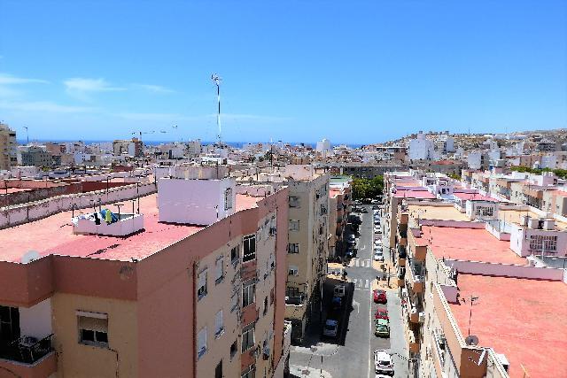Imagen 1 Inmueble 228233 - Piso en venta en Almería / Junto a Rambla Belén