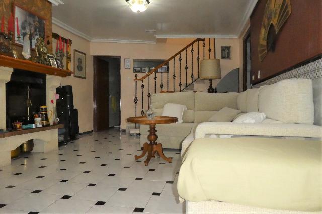 Imagen 1 Inmueble 233032 - Casa Adosada en venta en Almería / Barrio de la Esperanza