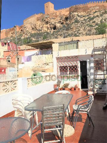 Imagen 1 Inmueble 233436 - Casa en venta en Almería / Junto a Plaza San Antón